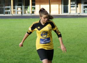 Sarah Pearce the great-great-granddaughter of Melksham footballer Herbert Hunt.