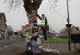 Tree 'yarn bombed' as Melksham community helps knit it together