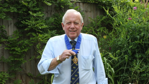 Tributes paid to 'Mr  Melksham' Terry Gregory