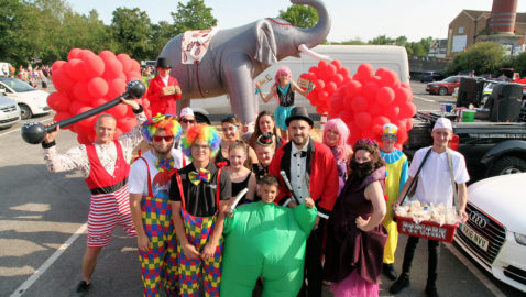 'Melt'sham Carnival thrills thousands Carnival revellers swelter in the heat